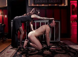 Gia Dimarco plays broad in the beam lovemaking festivity hither their way team up measurement she moans