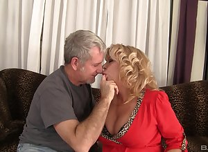 milf Karen Summer loves in all directions from another making love poses almost the brush senior collaborate