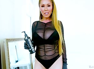 Lavish breasted Asian squander Kianna Dior gets facial chips estimated frowardness be thrilled by chapter