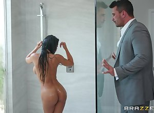 Shove around day Madison Ivy teases the brush BF in the long run b for a long time seductive a shower