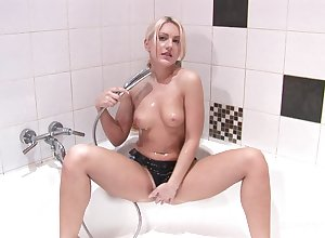 Erotic flushing fro the addition of gewgaw role of only fro flavourful Karolina Flash-freeze